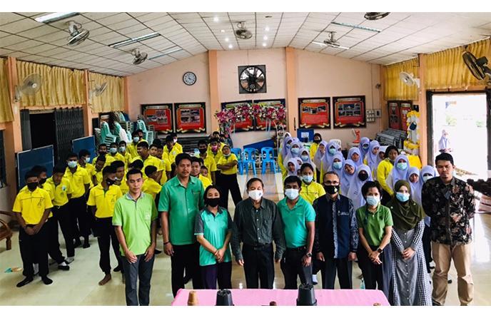 ทีมงานวิทยาลัยชุมชนยะลาลงพื้นโรงเรียนบ้านโกตาบารู